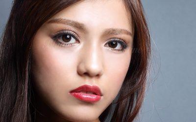 モデル画像(加納さん)03_WEB用(ロゴあり)